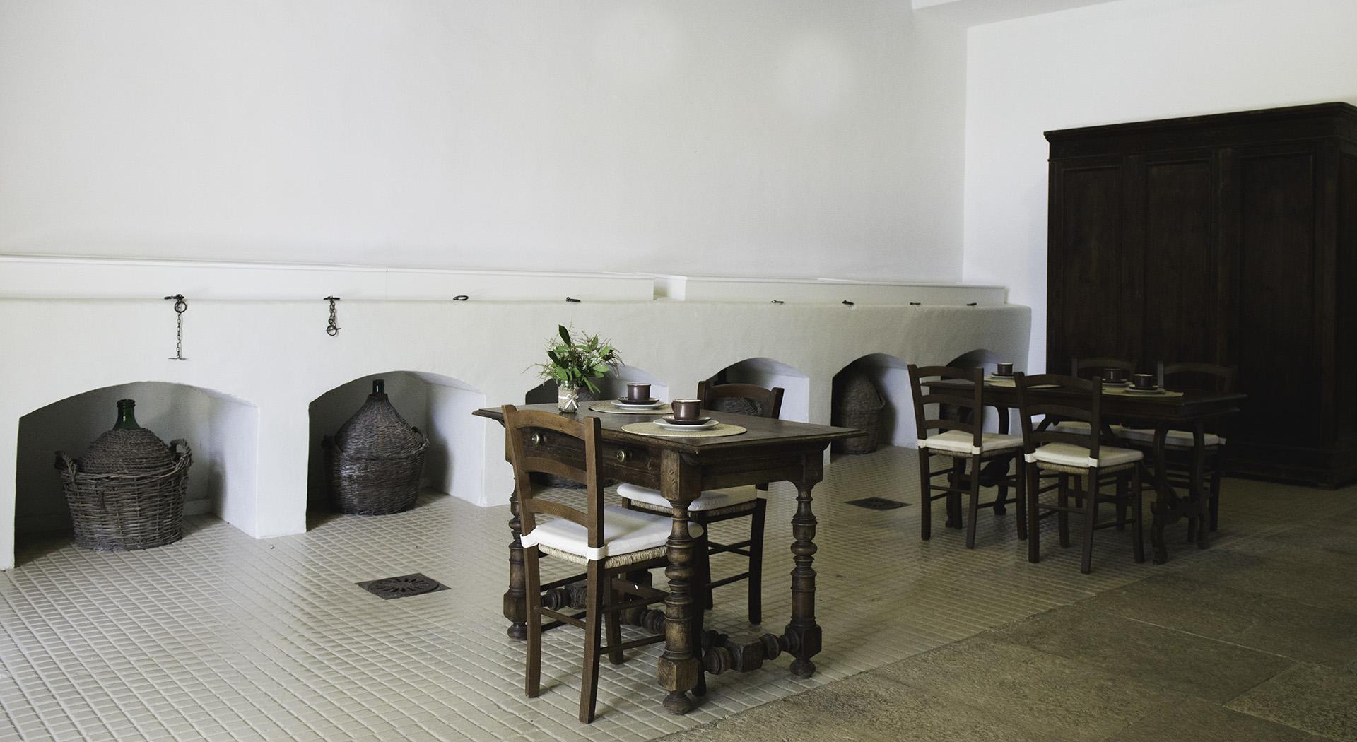 Bio agriturismo. Sala della colazione alla Masseria Terre di Traiano